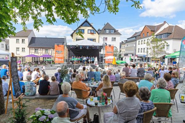 "Altenkirchen sagt 1.500 mal ""Danke"""